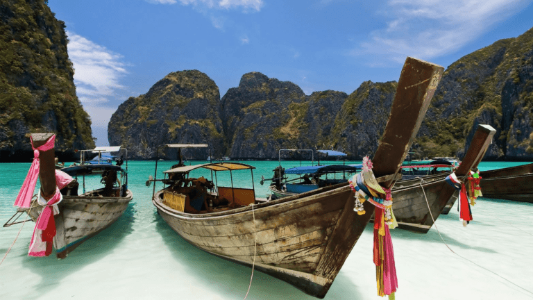 Top 5 Reasons to Visit Thailand