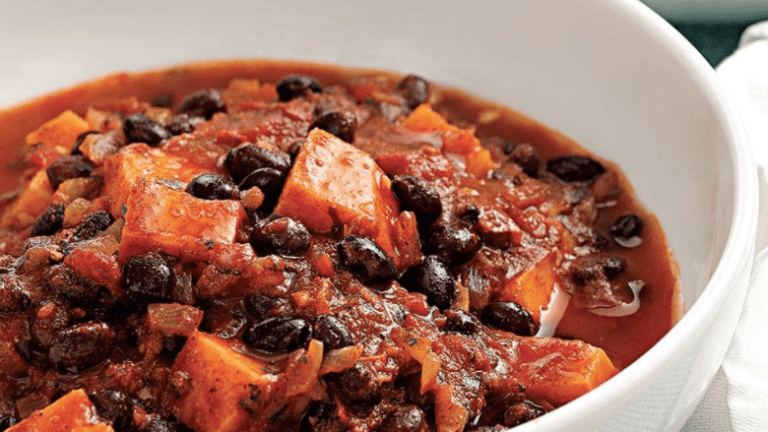 Black bean and mushroom chili – vegan