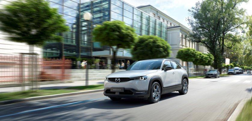 Mazda comienza la producción de su primer EV, el Mazda MX-30
