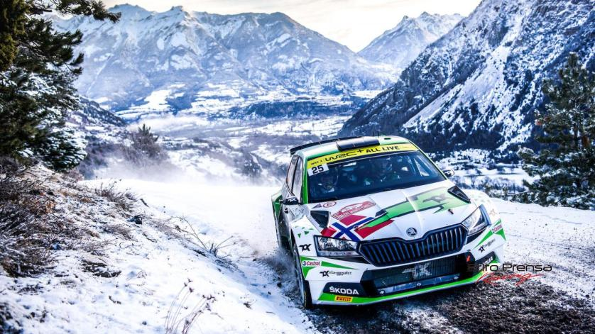 En la categoría WRC2 Mikkelsen mantiene su liderato