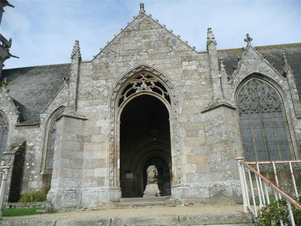 Entrance Paroisse Notre Dame de Plouaret