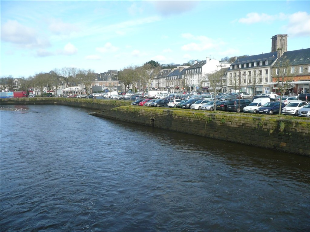 Image of Car park at Lannion center by the Beg Leguer river