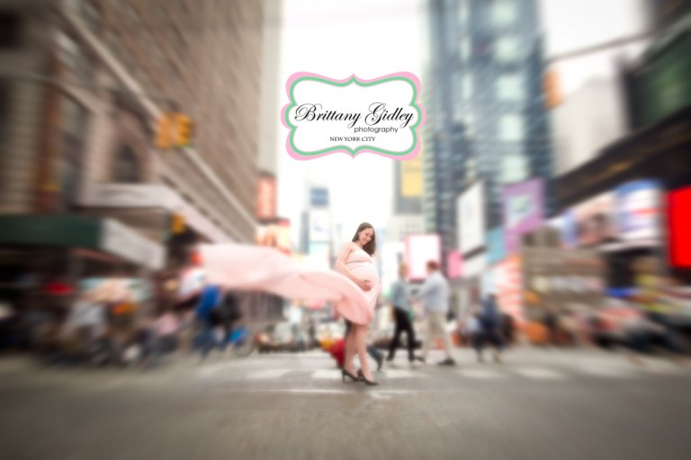 New York City Maternity Photographer | Times Square | Brittany Gidley Photography LLC