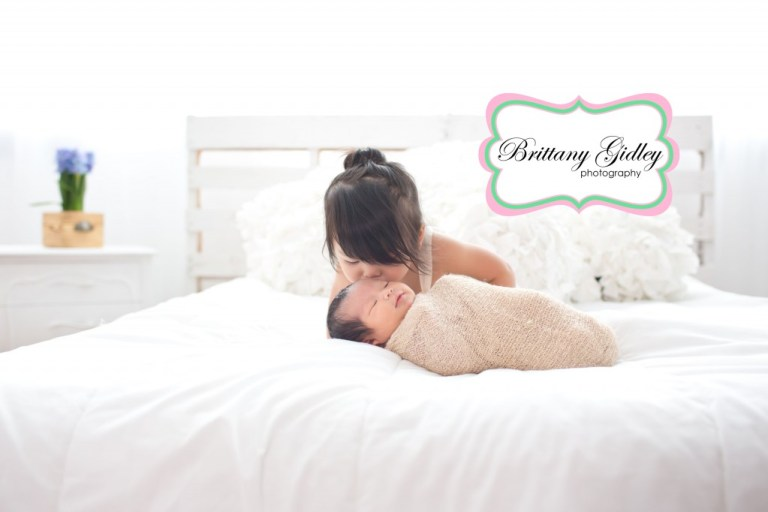 Big Sister & Newborn Baby | Brittany Gidley Photography LLC