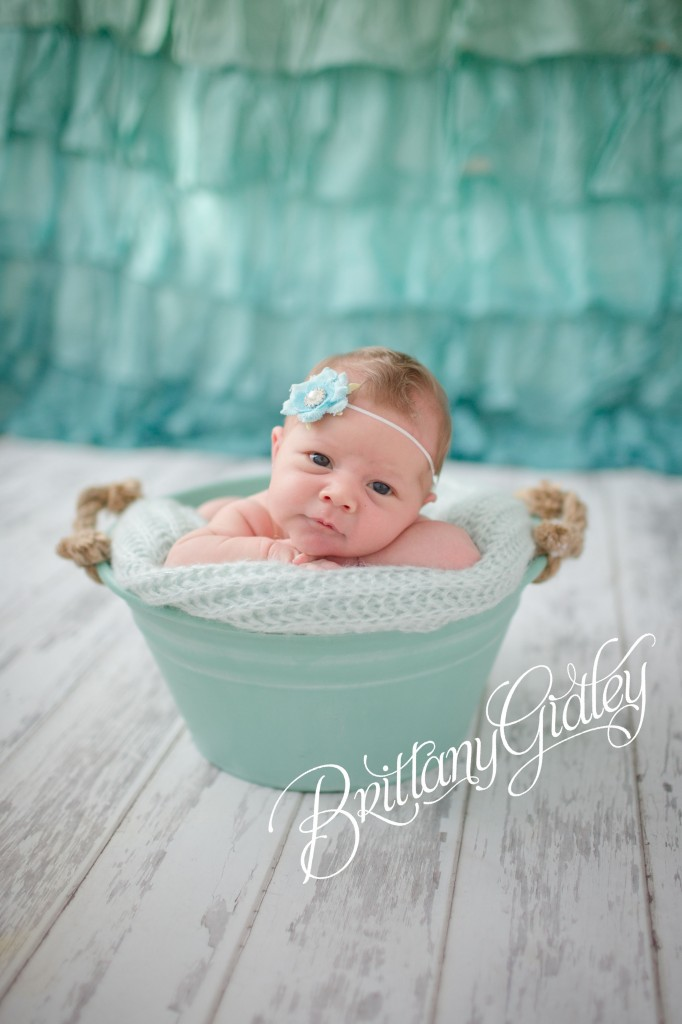 Newborn Family Photography | Newborn Baby | Teal | Bucket | Newborn Posing