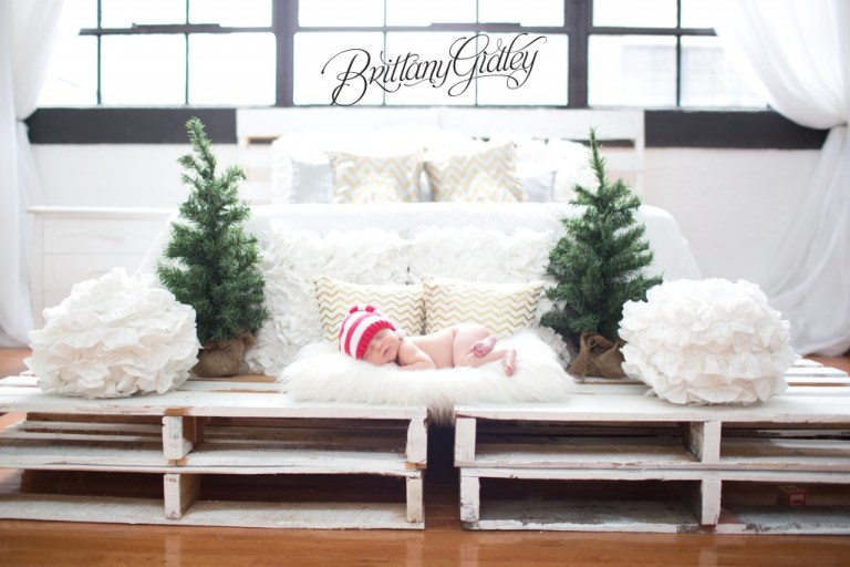 Christmas Baby Ideas | Christmas Baby Poses | Adorable | Cleveland | Brittany Gidley Photography LLC