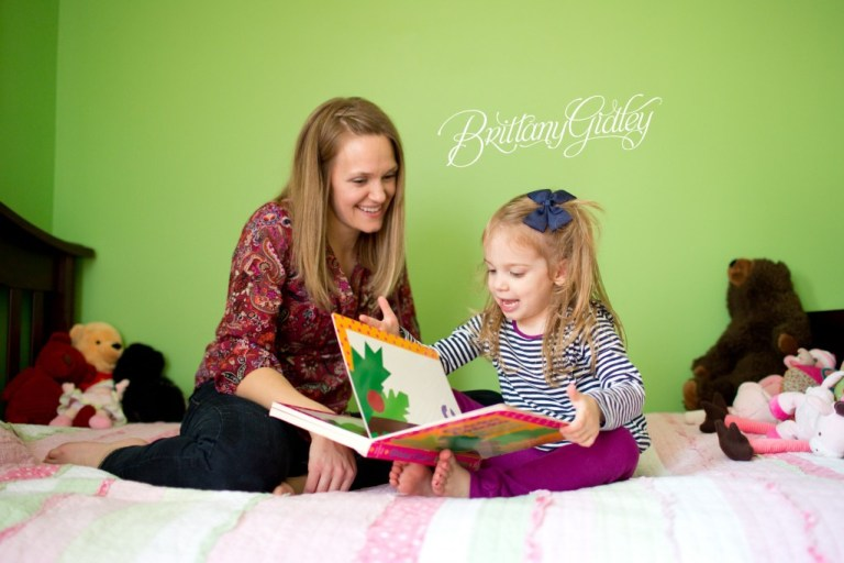 Lifestyle Photographer | On Location | In Home | Lifestyle Photography Session | Brittany Gidley Photography LLC | Mother & Daughter