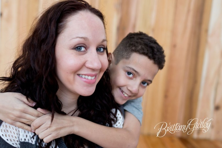 Cleveland Child Photography | Inspiration | Wood Wall | 10 Years Old and Mom | Child Photographer