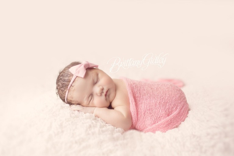 Newborn | Birth Photography | Cleveland Photographer | Pink | Baby Girl