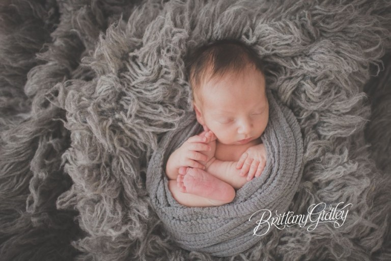 Cleveland Newborn Photographer | Newborn Baby | Ohio Newborn Baby Photography | Baby Boy
