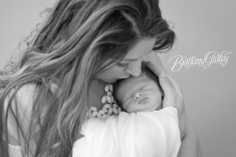Newborn Baby Photography | Black & White | Newborn Posing | Inspiration | Newborn Photo Shoot Ideas | Brittany Gidley Photography LLC