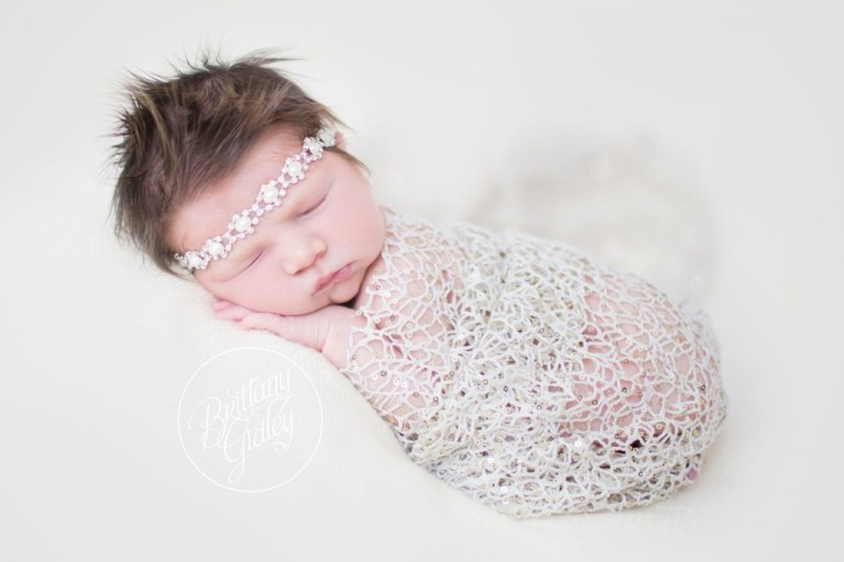 Best Newborn Photography | Tushy Up Pose | Newborn Photography | Natural Light | Start With The Best | Brittany Gidley Photography LLC