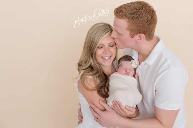 Cleveland Family Photographer | Baby Photography | Newborn Posing