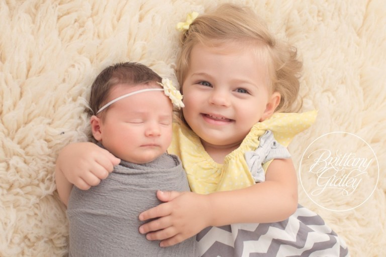 Sisters | Newborn Photographer | Newborn Photography | Brittany Gidley Photography LLC