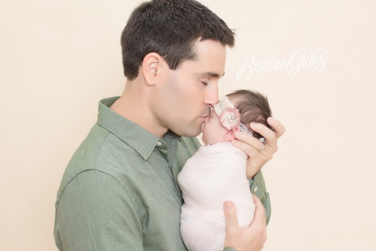 Father and Daughter | Newborn Portrait | Baby Pictures | Newborn Posing Inspiration