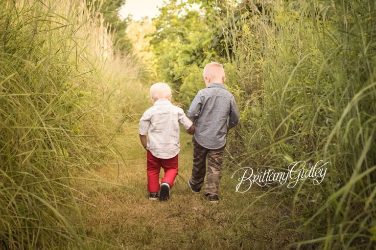 Brothers | Child Photography | Child Photographer | Akron Child Photographer | Best Friends | Start With The Best | Brittany Gidley Photography LLC