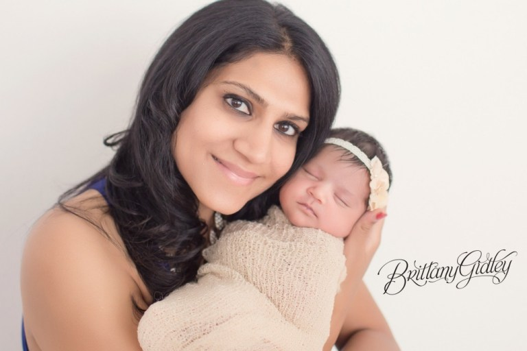 Family Newborn Photographer | Newborn Baby Girl | Newborn Smiling