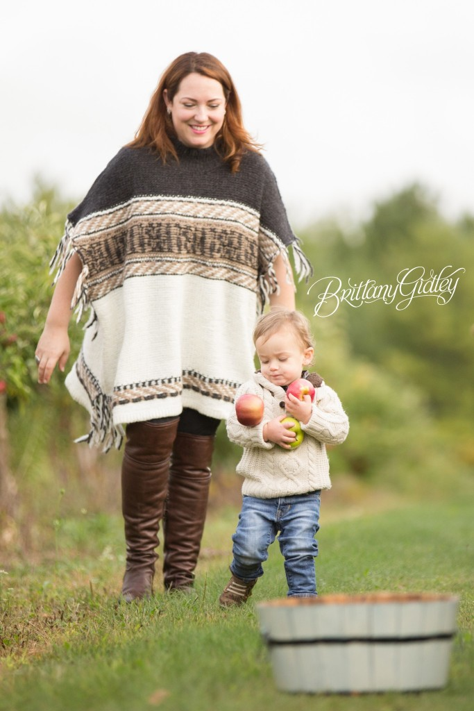 Family | Apple Orchard Photo Shoot | Fall | Start With The Best | Gates Mills Ohio