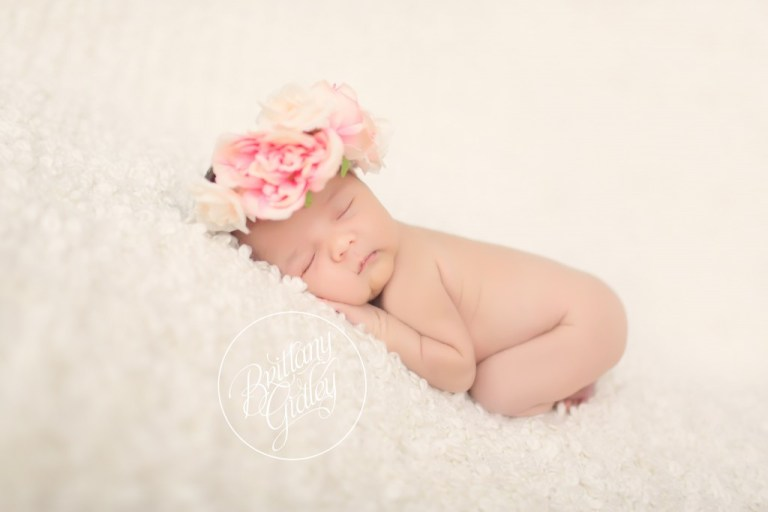 Cleveland Newborn Photography | 3 Sisters | Newborn Photography Inspiration | Start With The Best | Brittany Gidley Photography LLC