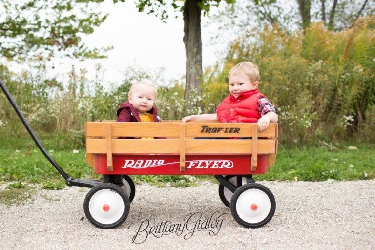 Cleveland Ohio | Photo Shoot | 12 Month Baby | Apple Orchard | Siblings | Red Wagon