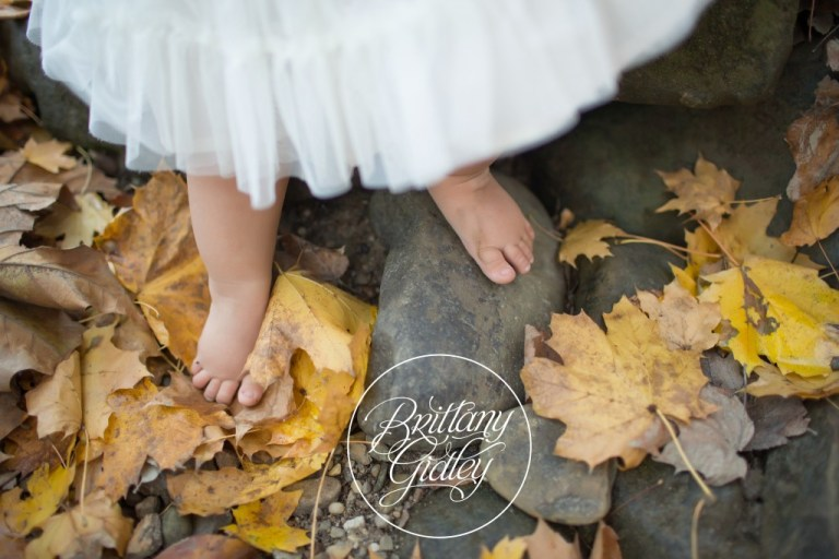 Baby Feet | Chagrin Falls, Ohio | Family | Photographer | Baby Photography | 12 Months