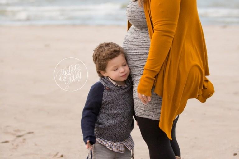 Pregnancy Announcement | Beach | Cleveland, Ohio