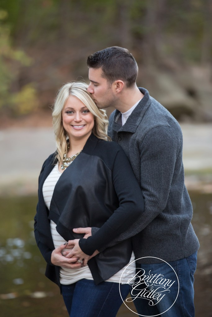 Fall Maternity Photo Shoot | Fortier Park | Olmsted Falls, Ohio | Fall Portraits | Maternity | Pregnancy