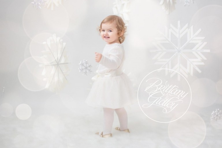 Christmas Pictures | Cleveland Child Photographer | Photography Studio