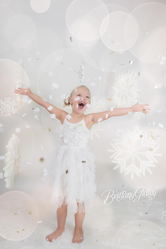 Cleveland Christmas Mini Sessions-86