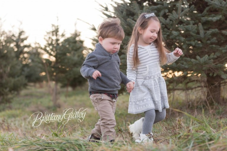 Christmas Tree Farm | Cleveland Ohio | Start With The Best | Dream Session | Lifestyle Photography | Brittany Gidley Photography LLC