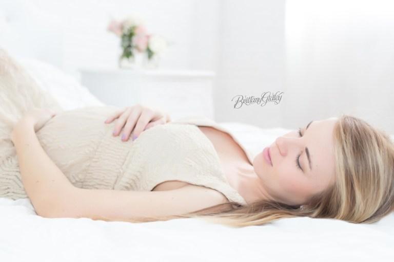 Cleveland Maternity Photographer | Maternity Photographer Cleveland Ohio | Pregnancy | Joy | Gorgeous Maternity Inspiration