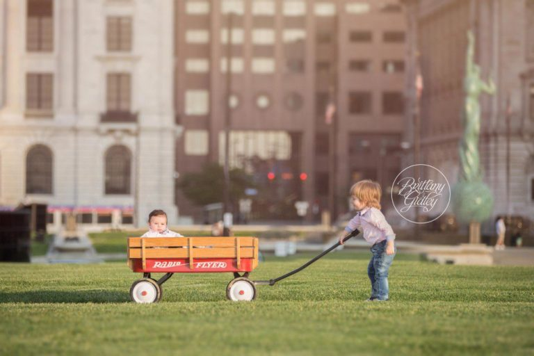Downtown Cleveland Family Session | City Photography | Cleveland, Ohio