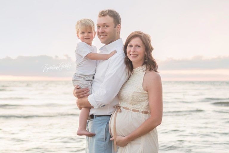 Beach Maternity | Family | Sunset Photo Shoot | Cleveland Ohio | Edgewater Beach