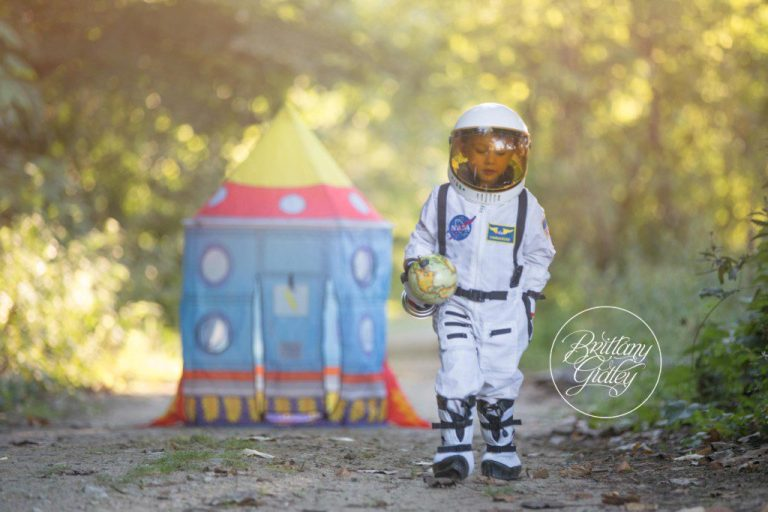 Astronaut Photography | Imagination | Magic of Childhood | Edgewater Beach | Family Beach | Photography