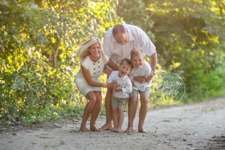 Family Photographer | Cleveland Ohio | Edgewater Beach Park | Lake Erie | Photography