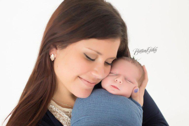 Strongsville Newborn Photographer | Baby Boy | Strongsville Ohio