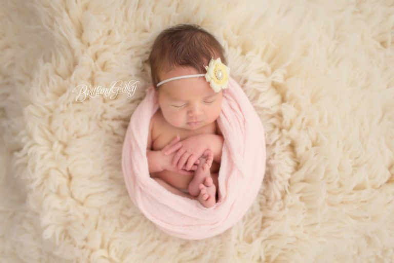 Siblings | Newborn | Little Sister | Clevelands Best Newborn Photographer | Start With The Best | Cleveland