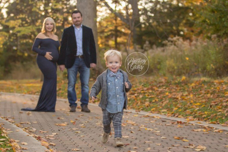 Maternity Photos | Akron Maternity Photographer | Nature Realm