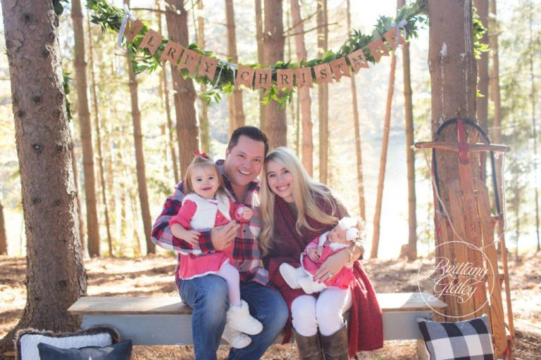Cleveland Christmas Photographer | Christmas Mini Session | Dream Minis | Best Photographer | www.brittanygidley.com