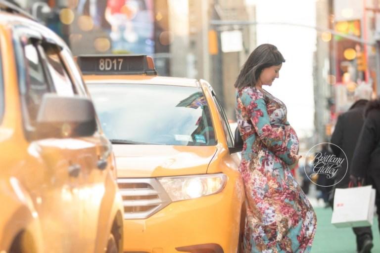 New York City Maternity Photography | Maternity Photographer NYC | Times Square Maternity Photo Shoot