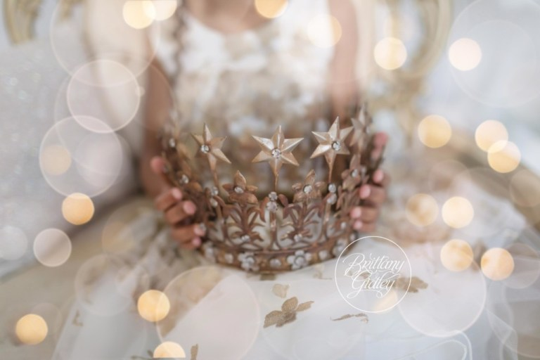 Sparkle and Shine Dream Session | Princess Crown | Christmas Images | Dreamy Photographers