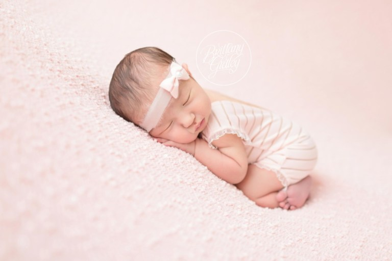 Newborn Baby Girl Photo Shoot | Pretty In Pink | Start With The Best | www.brittanygidley.com