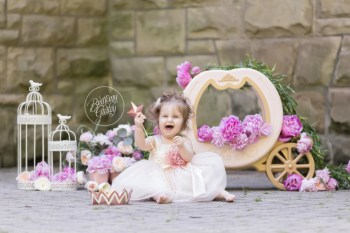 Princess Dream Session | Layla 12 Months | Squire's Castle