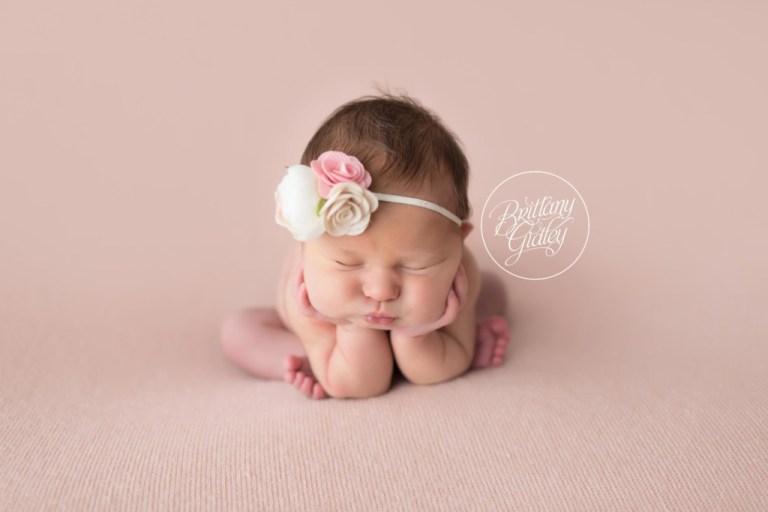Celebrity newborn photography newborn baby girl pretty in pink brittany gidley photography