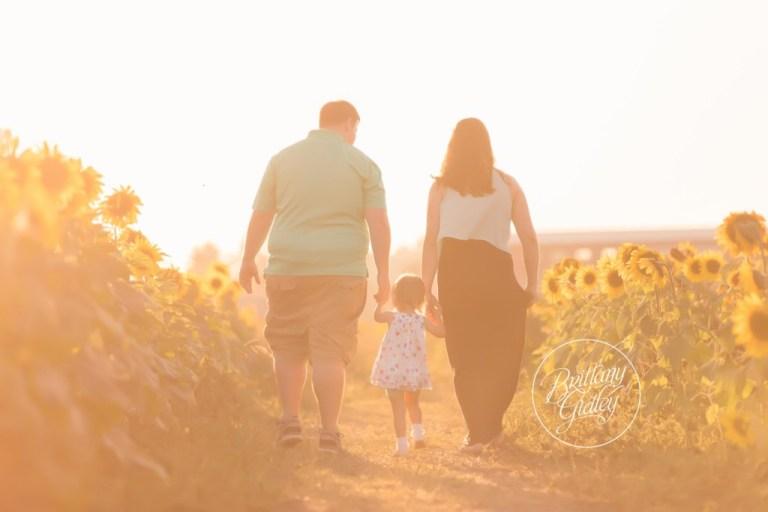 Beachwood Family Photographer | Beachwood Family Photography | Child Photographer | Sunflower Field