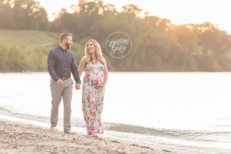 Cleveland Pregnancy Photographer | Maternity Photography Edgewater Beach | Cleveland Metroparks