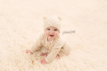 Bratenahl Baby Photographer | Scout 6 Months