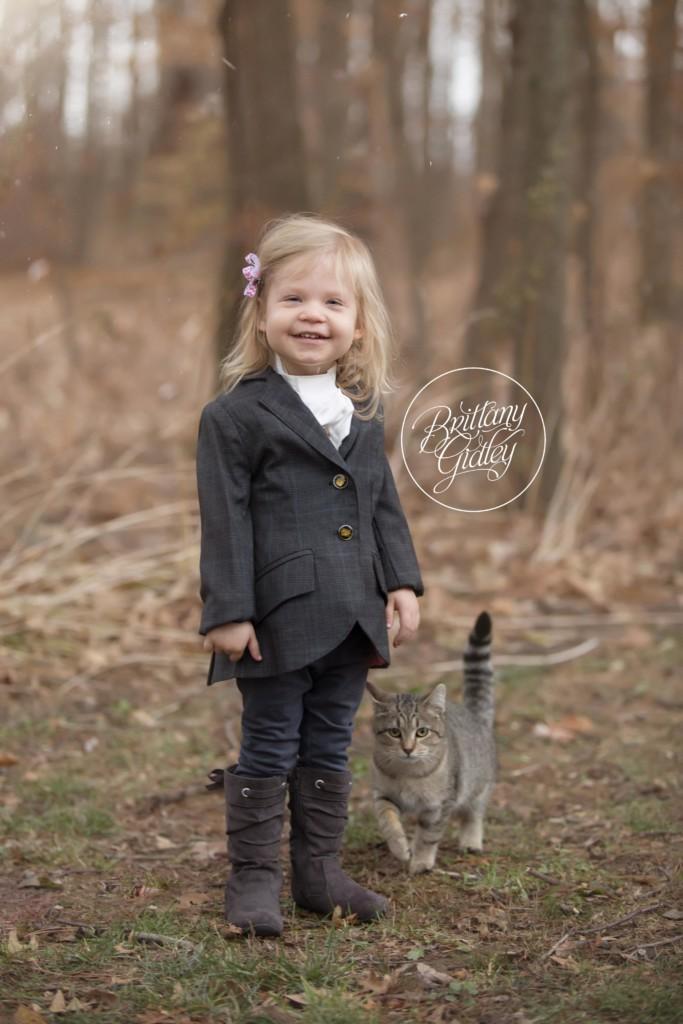 Farm Christmas Images | Barn Christmas Photo Ideas | Brittany Gidley Photography LLC