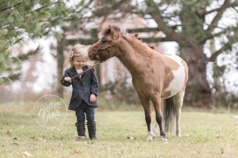 Christmas On The Farm Dream Session  | Best Family Christmas Card Ideas | Brittany Gidley Photography LLC
