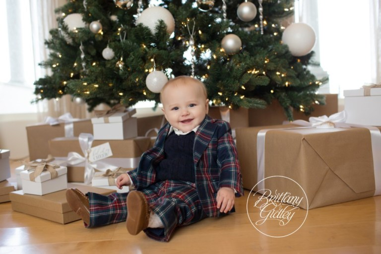 Home For The Holidays Dream Mini Sessions | Christmas Mini Session Ideas | Christmas Card Pose Ideas | Brittany Gidley Photography LLC